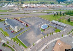 1241 Evergreen, Woodburn, Oregon 97071, ,Industrial,Evergreen,762651